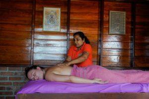 therapie1_kingdom-ayurveda-resort